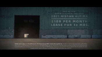 Nissan Sales Event TV Spot, 'Spy Thriller' [T2] - Thumbnail 9