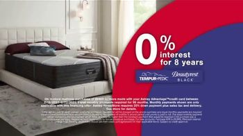 Ashley HomeStore Presidents Day Mattress Marathon TV Spot, 'Extended: 0% Interest and Ashley Cash' - Thumbnail 5