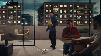 Lay's TV Spot, 'UEFA: liga de apartamentos' con Paul Pogba, Lionel Messi, Lieke Martens [Spanish] - Thumbnail 3