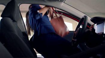 Hyundai Elantra TV Spot, 'Never Tied Down' [T2] - Thumbnail 2