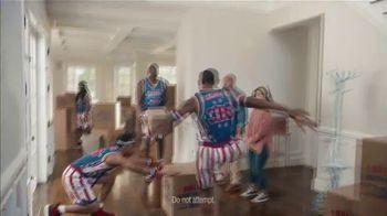 GEICO TV Spot, 'Harlem Globetrotters Moving Company' - Thumbnail 5