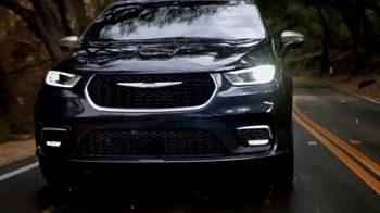 2021 Chrysler Pacifica Plug-In Hybrid TV Spot, 'Protect Your World' [T1] - Thumbnail 9