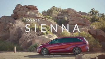 Toyota Sienna TV Spot, 'Arrival and Departure' [T1] - Thumbnail 3
