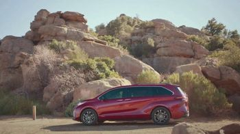 Toyota Sienna TV Spot, 'Arrival and Departure' [T1] - Thumbnail 4