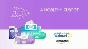 Nice 'N Clean Sensitive Skin Baby Wipes TV Spot, 'Healthy Snuggling: Sensitive Skin' - Thumbnail 10