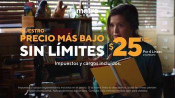 Metro by T-Mobile TV Spot, 'Profesora: dos teléfonos gratis' [Spanish] - Thumbnail 6