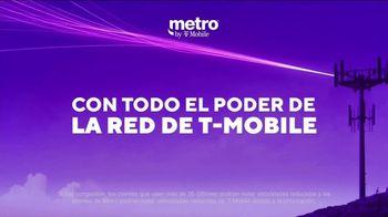 Metro by T-Mobile TV Spot, 'Profesora: dos teléfonos gratis' [Spanish] - Thumbnail 7