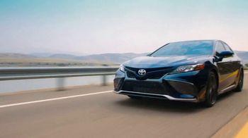 Toyota TV Spot, 'Whatever Life Throws' [T2] - Thumbnail 1