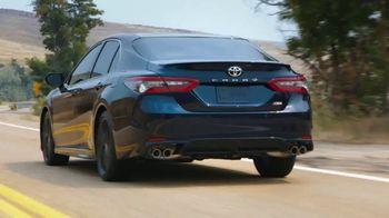 Toyota TV Spot, 'Whatever Life Throws' [T2] - Thumbnail 2