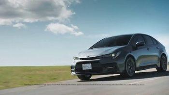 Toyota TV Spot, 'Whatever Life Throws' [T2] - Thumbnail 7
