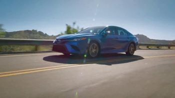 Toyota TV Spot, 'Hybrids: Whole New Look' [T2] - Thumbnail 5