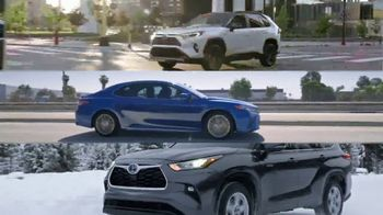 Toyota TV Spot, 'Hybrids: MPG and OMG' [T2] - Thumbnail 7