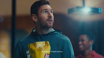 Lay's TV Spot, 'UEFA Champions League: Apartment Arena' Featuring Paul Pogba, Lionel Messi, Lieke Martens - Thumbnail 5