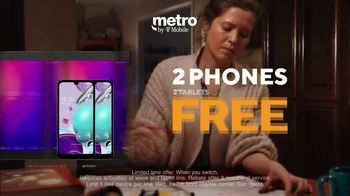 Metro by T-Mobile TV Spot, 'Rule Your Day: Two Free Phones and Tablets' - Thumbnail 3