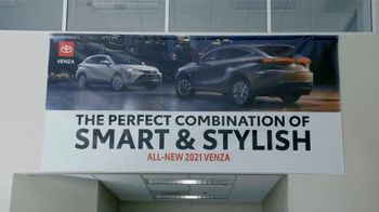 2021 Toyota Venza TV Spot, 'Perfect Combination' [T2] - Thumbnail 4