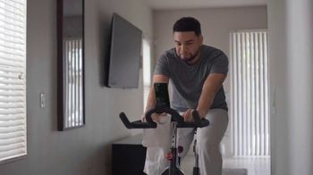 T-Mobile TV Spot, 'Netflix on Us: Samsung Galaxy S21 5G' con LeJuan James [Spanish]