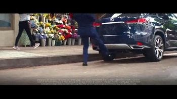 2021 Lexus RX TV Spot, 'Maximalist' [Spanish] [T2] - Thumbnail 4