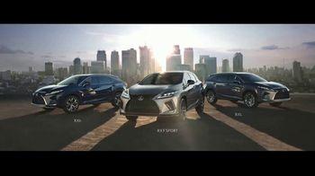2021 Lexus RX TV Spot, 'Maximalist' [Spanish] [T2] - Thumbnail 5