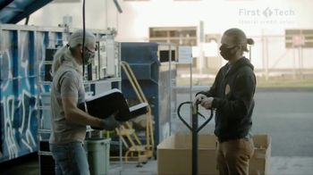First Tech Federal Credit Union TV Spot, 'Invest in Your Lifestyle: Free Geek' - Thumbnail 8