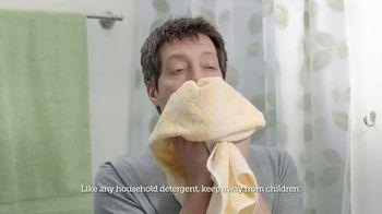 Gain Flings! TV Spot, 'Dog's Towel: Scent Boosters' - Thumbnail 4