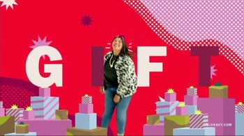 Old Navy TV Spot, 'Safest Way to Gift: Up to 75% Off' Featuring RuPaul - Thumbnail 6