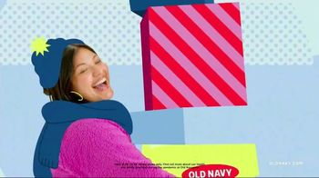 Old Navy TV Spot, 'Safest Way to Gift: Up to 75% Off' Featuring RuPaul - Thumbnail 8
