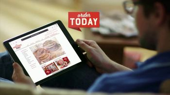 The HoneyBaked Ham Company, LLC TV Spot, 'Continue the Tradition: Christmas Eve' - Thumbnail 6