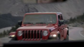 Jeep Big Finish 2020 TV Spot, 'One of Our Own: Driving Home' Song by X Ambassadors [T2] - Thumbnail 3