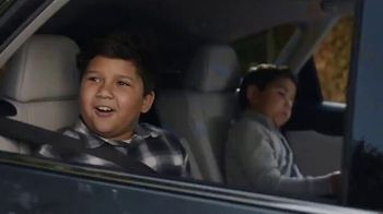 Lexus December to Remember Sales Event TV Spot, 'Driveway Moments: Birthday' [T1] - Thumbnail 4