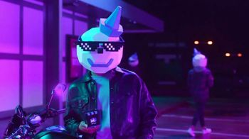 Jack in the Box Sauced & Loaded Tots TV Spot, 'Ambiente nocturno' [Spanish] - Thumbnail 2