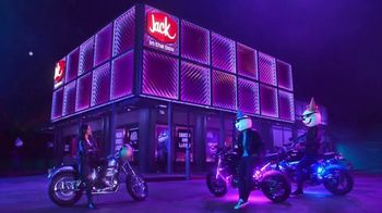 Jack in the Box Sauced & Loaded Tots TV Spot, 'Ambiente nocturno' [Spanish] - Thumbnail 4