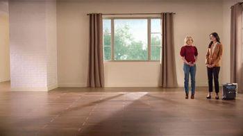 La-Z-Boy Holiday Sale TV Spot, 'Magic' Featuring Kristen Bell - Thumbnail 2