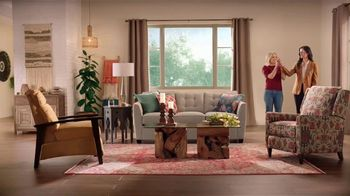 La-Z-Boy Holiday Sale TV Spot, 'Magic' Featuring Kristen Bell - Thumbnail 6
