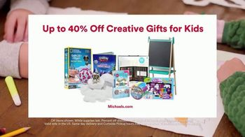 Michaels TV Spot, 'Holidays: Refrigerator Drawing: 40% Off' - Thumbnail 9