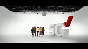 Verizon TV Spot, 'Holidays: The 5G America's Been Waiting For: BOGO, $500 and Streaming' - Thumbnail 3