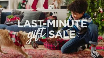 Kohl's Last Minute Gift Sale TV Spot, 'Holidays: Kitchen Must-Haves, Toys and Fragrances' - 1475 commercial airings