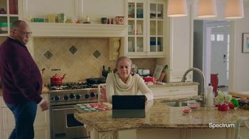 Spectrum TV Spot, 'Happy Holidays: Be Together'
