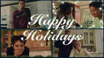 Spectrum TV Spot, 'Happy Holidays: Be Together' - Thumbnail 9