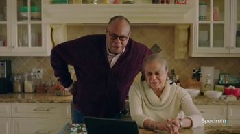 Spectrum TV Spot, 'Happy Holidays: Be Together' - Thumbnail 2