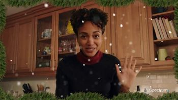 Spectrum TV Spot, 'Happy Holidays: Be Together' - Thumbnail 3