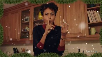 Spectrum TV Spot, 'Happy Holidays: Be Together' - Thumbnail 4