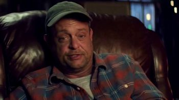Cooper Tires TV Spot, 'Holidays: Uncle Cooper: 'Twas The Road Trip Before Christmas' Featuring Lenny Venito - Thumbnail 5
