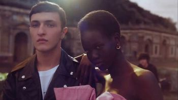 Valentino Fragrances TV Spot, 'Born in Roma: For Men' Featuring Adut Akech, Anwar Hadid