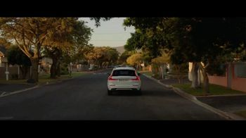 Volvo Holiday Safely Sales Event TV Spot, 'For Everyone's Safety' Song by Dan Romer [T2] - Thumbnail 4