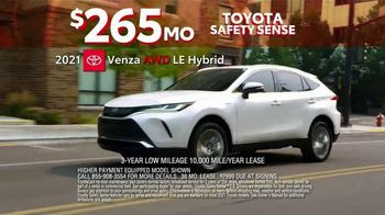 Toyota 10-Day Countdown Sales Event TV Spot, 'Hurry: Highlander and Venza' [T2] - Thumbnail 7