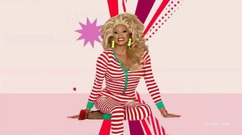 Old Navy TV Spot, 'Jingle Jammies: 50% de descuento' con RuPaul [Spanish] - Thumbnail 5