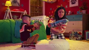 Target TV Spot, 'Disney Channel: Holidays' Song by Mary J. Blige - Thumbnail 5