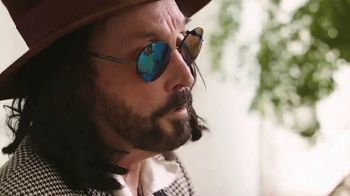 Guitar Center TV Spot, 'Happy' Featuring Mike Campbell - Thumbnail 7