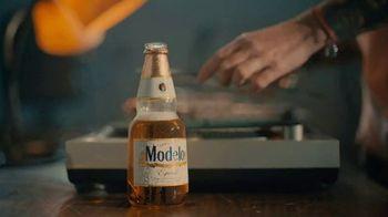 Modelo TV Spot, 'El espíritu de lucha de DJ Citizen Jane' canción de Ennio Morricone [Spanish] - Thumbnail 4
