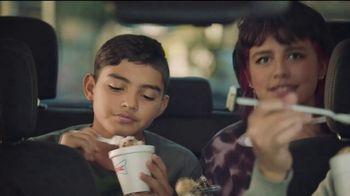 Sonic Drive-In Oreo Big Scoop Cookie Dough TV Spot, 'Mucha masa' [Spanish] - Thumbnail 4